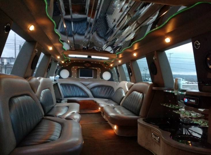jersey shore prom limo Excursion Interior